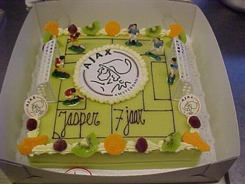 voetbalveld taart met logo_